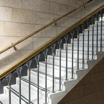 Лестница в башне мира, парламентский холм, оттава, онтарио, канада
