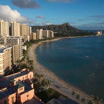 ビーチフロントの建物、ワイキキ、ホノルル、オアフ、ハワイ、米国