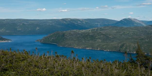 ボンベイとルックアウトヒルズグロス・モーン国立公園、ニューファンドランドアンドラブラドール州、カナダ