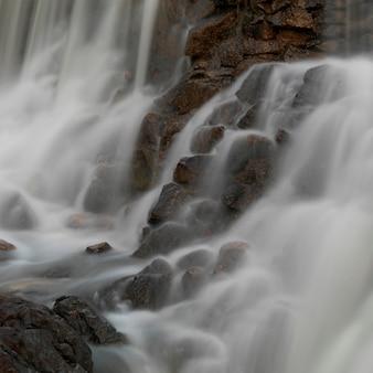 マウンテンパインリッジリザーブ、滝