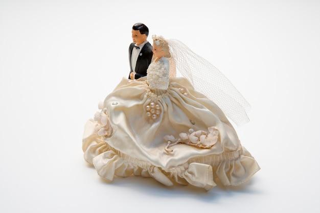 花嫁と新郎の置物、ウェディングケーキトッパー