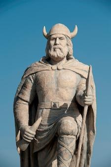 カナダのマニトバ州ギムリのバイキング彫像