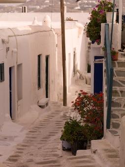 Улица в миконосе греция