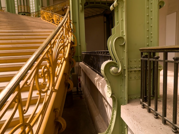 フランスのパリの宮殿の屋内階段