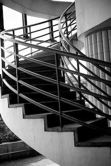 Внутренняя круглая лестница в париже