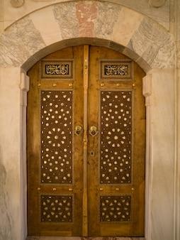 ドアのトルコ式模様