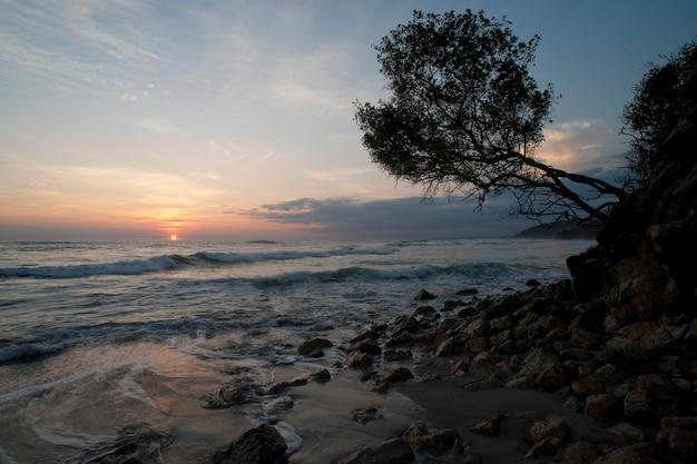 サン・ホセ・コスタ・リカのマル・パイス海岸沿いの海景