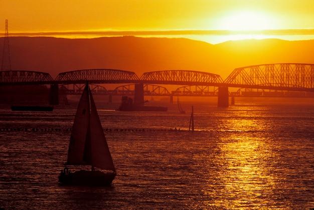 コロンビア川、州間橋、ポートランド、オレゴン州