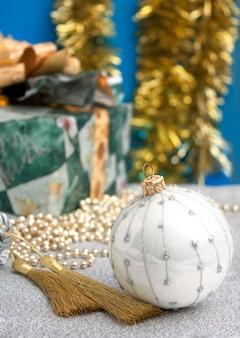 クリスマスシーンのクリスマスの装飾
