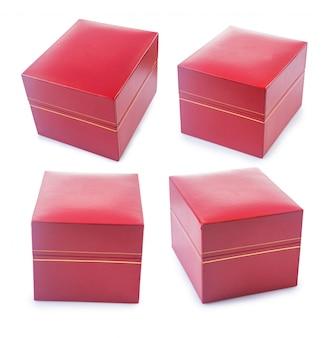 白で隔離赤い柔らかい質感の革で覆われたギフトボックスのセット