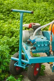 温室のクローズアップの農業機器