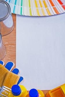 ペーパーブラシボトルと瓶のカラーパレットの白い空白のシート