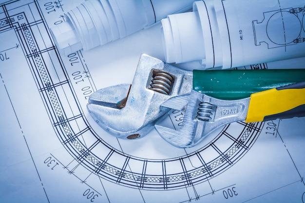 調整可能なスパナと構造設計図のメンテナンスコンセプト