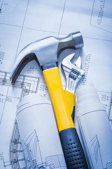 構造のクローハンマーロールは、調整可能なスパナの建物とアーキテクチャのコンセプトを計画しています