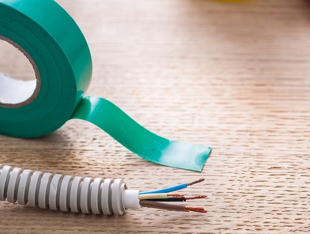 電気コルゲートパイプケーブル絶縁テープ電気コンセプト