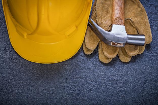 Защитные каски кожаные перчатки молоток с раздвоенным хвостом, концепция строительства