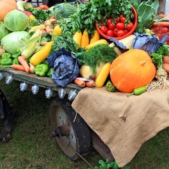 Овощи на сельском рынке