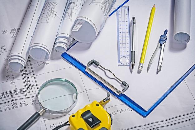 机の上の建築家ツール