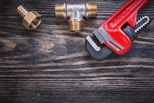 木の板にメンテナンスツールのセット