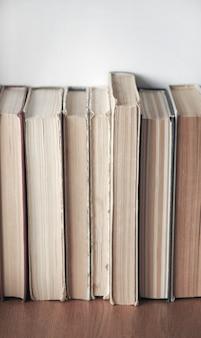 Фоновая текстура старых книг