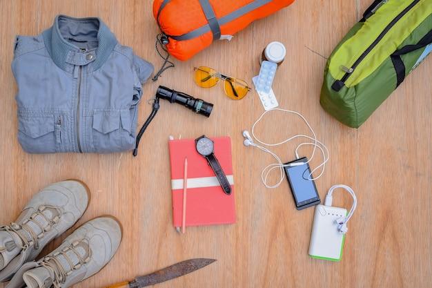 旅行のコレクション、キャンプ、探検のためのバックパック