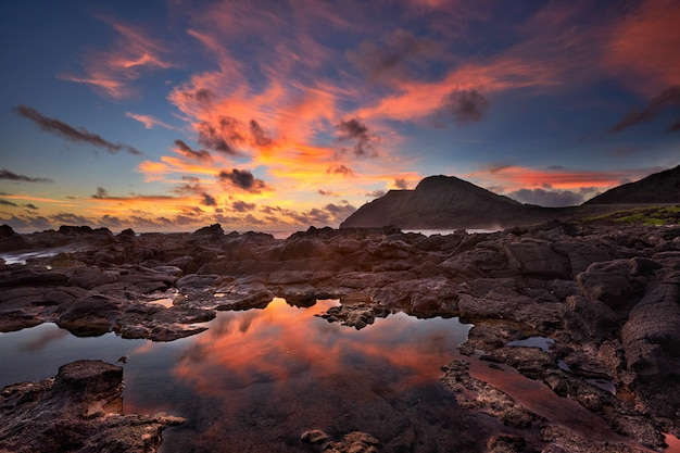 Восход солнца от пляжа макапуу, гавайи