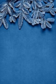 青い色のクリスマスカード。