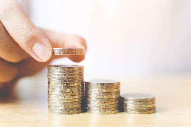 テーブルの上のコイン