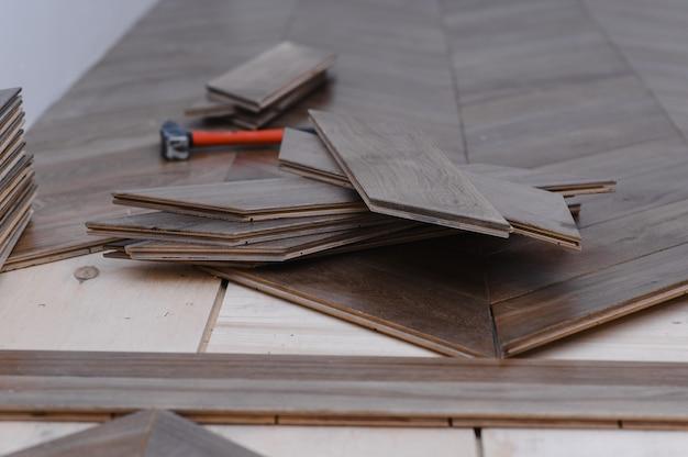 フローリング床材
