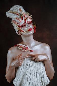 女性は北京キャベツを象徴するアートモデル
