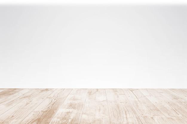 白い背景を持つ空の木製テラス。セレクティブフォーカスのクローズアップビュー。