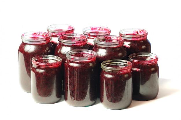瓶の中の健康を与える缶詰のビタミン