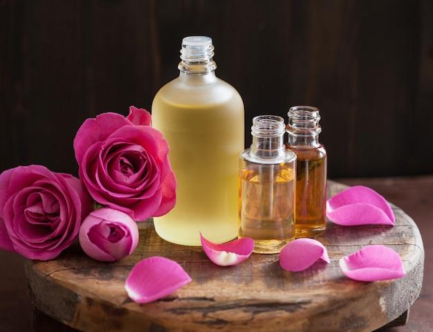 Эфирное масло и роза с ароматерапией в спа-парфюмерии
