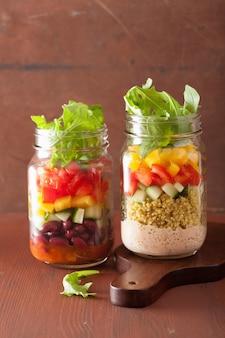 石工の瓶にビーガンキノア豆野菜サラダ
