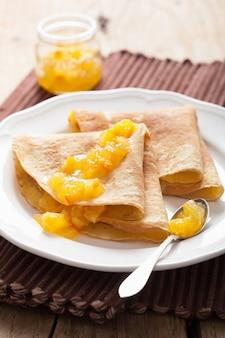 Блинчики с апельсиновым джемом