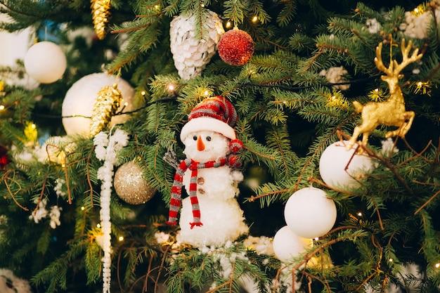 クリスマスツリーと装飾