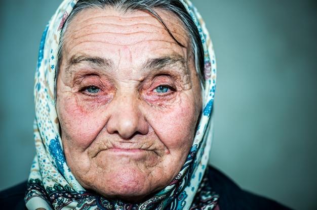 幸せな老婦人