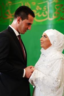 美しい夫婦が結婚しました