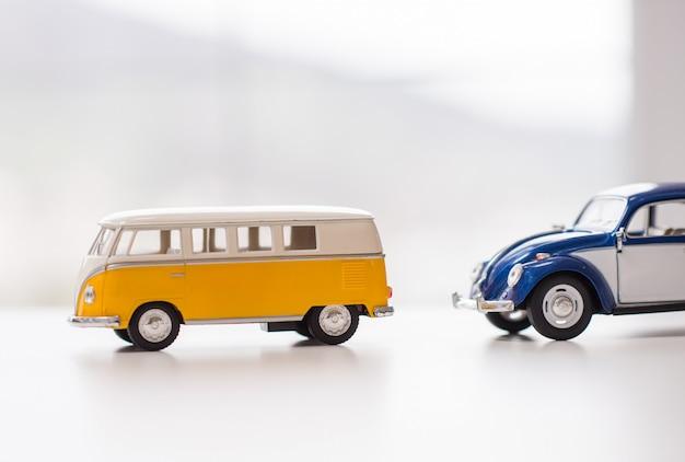レトロなおもちゃの車