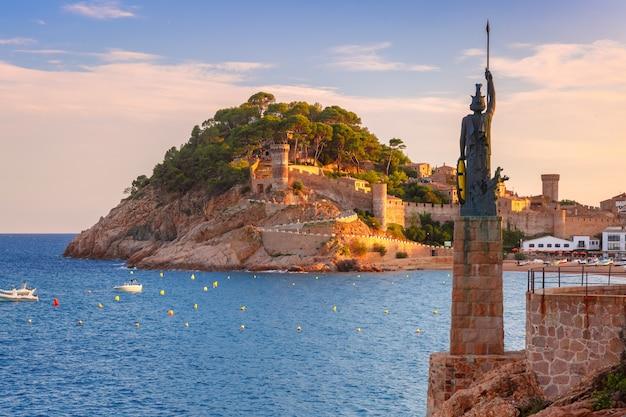 Тосса де мар на побережье коста брава, каталония, испания