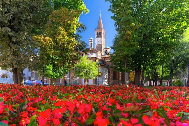 イタリア、ロンバルディア州ミラノの聖ユーストリゴス教会