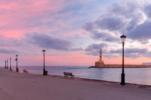 日の出、ハニア、クレタ島、ギリシャの灯台