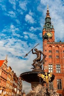 市庁舎、グダニスク、ポーランドの長い市場通り