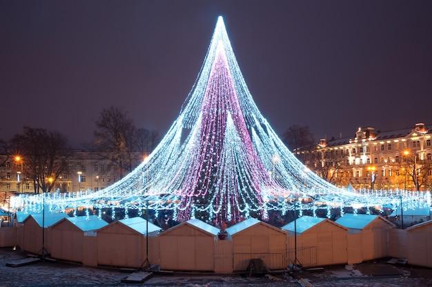 ビリニュス、リトアニアのクリスマスツリー