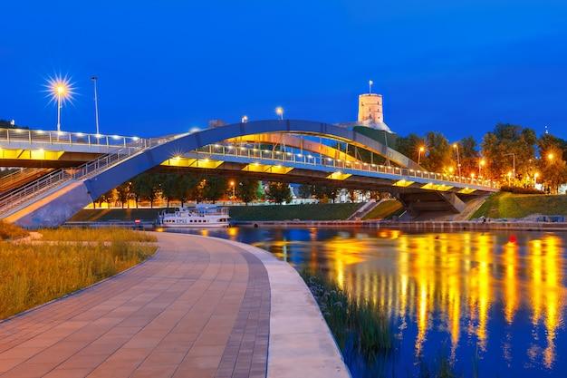 ゲディミナスタワーとミンダウカス橋、ビリニュス
