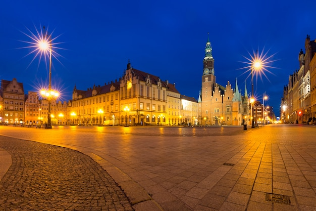 ポーランド、ヴロツワフのマーケット広場にある市庁舎