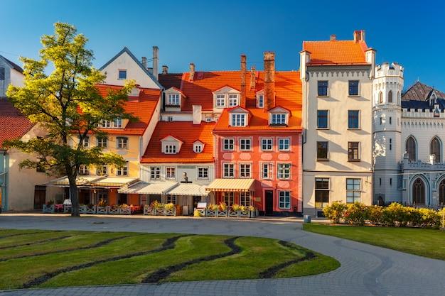 Городская площадь в старой риге, латвия