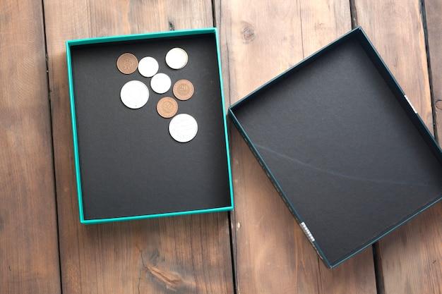 Подарочная коробка с монетами