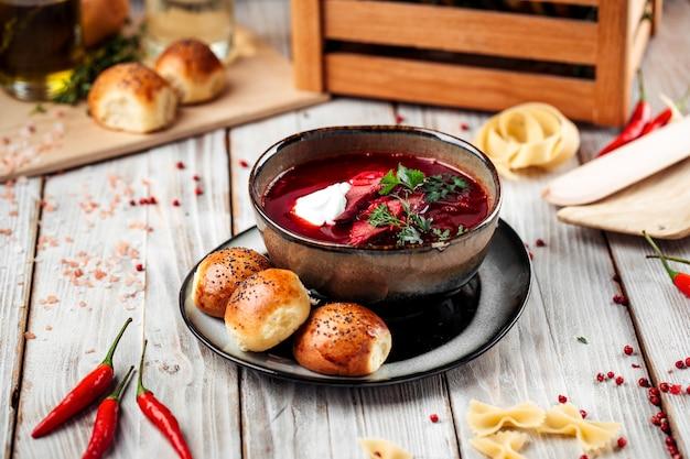 ビートとパンのロシアビートルートスープボルシチ