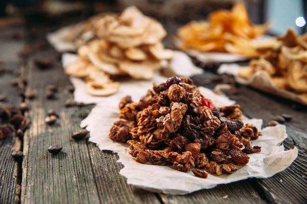 健康食品の乾燥スライスをクローズアップ